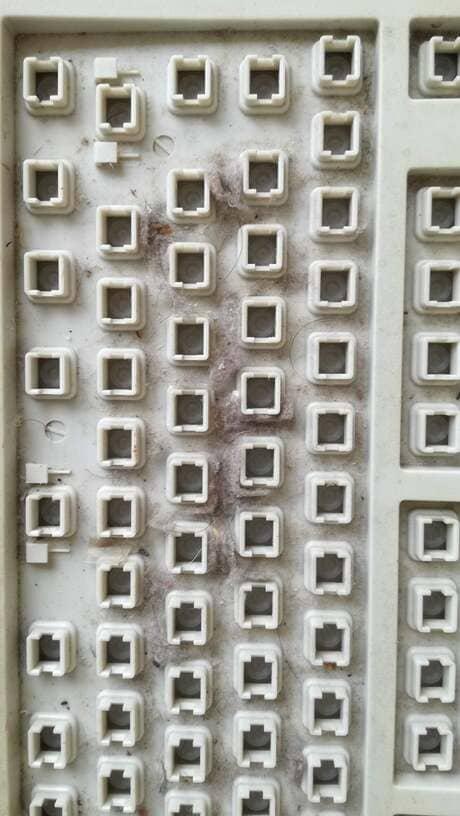 全キーを外したNECのキーボード本体アップ画像